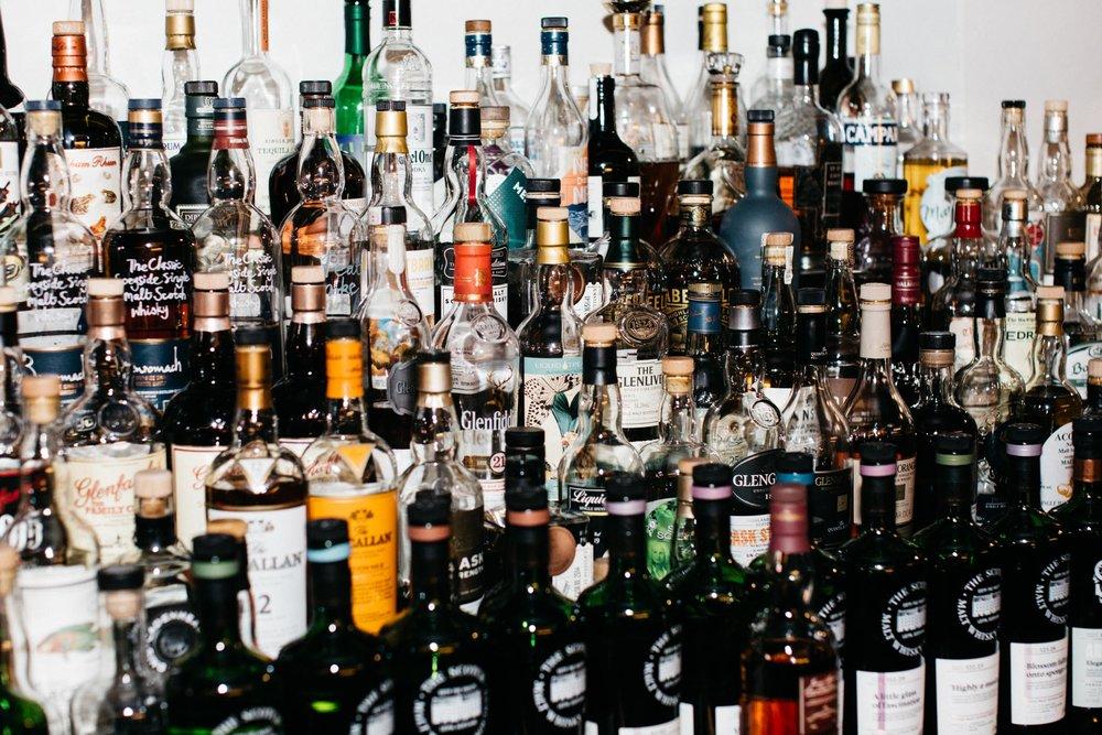 Whiskies - 1. Kilchoman Machir Bay2. Port Charlotte PC12 Oileanach Furachail3. Sullivans Cove French Oak4. Hibiki Harmony Masters Select5. Glenmorangie Duthac