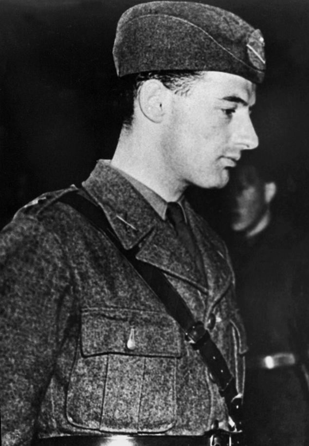 Raoul Wallenberg in military uniform
