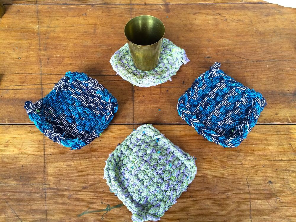 ...sweet lil' woven coasters made from small scraps and...
