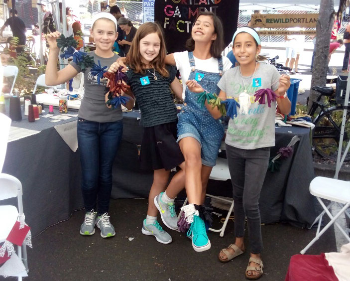 Just look at these elated Mini Makers at the PGF booth!