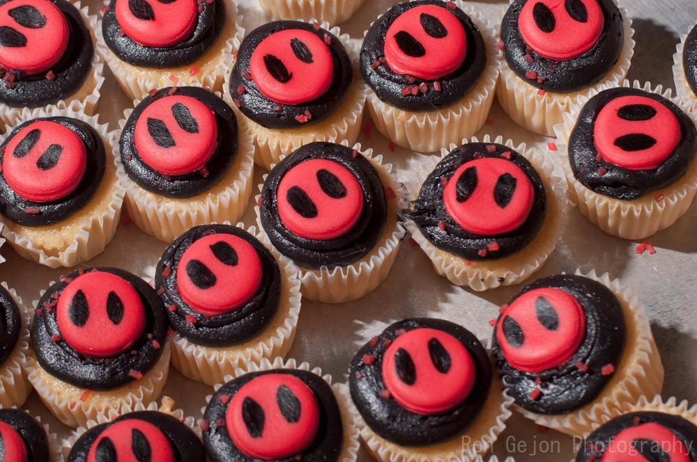 Dead Hots Mini Cupcakes.jpg