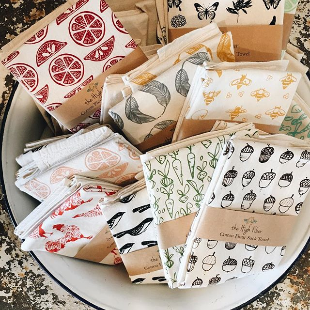 Word on the street is that these American made, block printed hand towels are almost out of stock! Head over to the @antiquecompanymall to claim a few! They make wonderful holiday presents! #downtownmckinney #antiquecompanymall #handmade #madeintheusa
