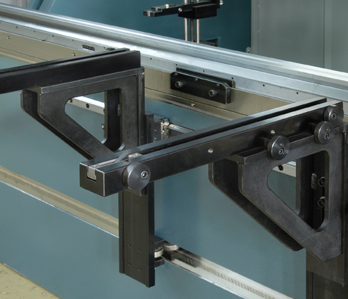 "Sliding Front Arms  Quickset support arms are mounted on a linear guide way and ball bearing system that allows ""finger tip"" lateral adjustment of the front support arms. Vertically adjustment is also easily achieved."