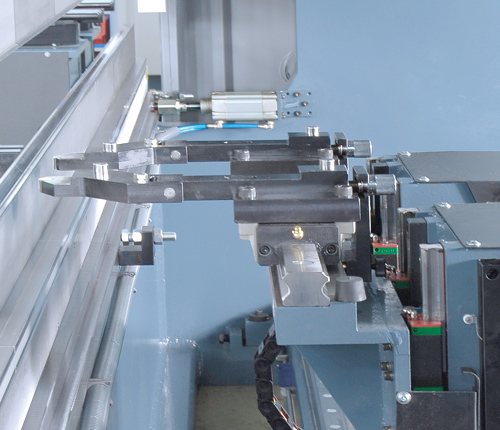 Pneumatic positioning system