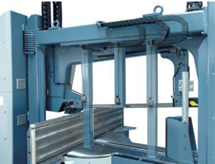 Mechanical top holder  In bonded material cutting process, mechanically adjusted with bearing roll prevents the material to be separated from the package.