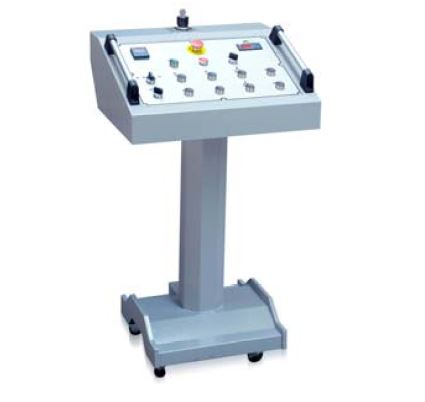Portable control panel  Controlling all functions of the machine creates larger working space. This prevents the operator from the possible damages.