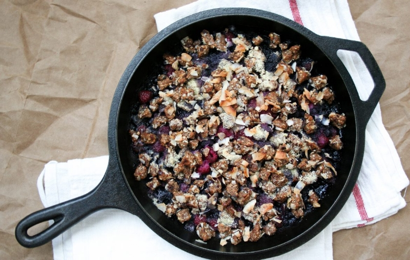 Gracitude-Berry-Skillet-Crumble-w-Cookie-Dough-2-1170x744.jpg
