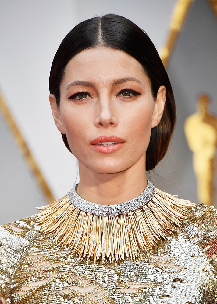 Jessica Biel - I love that she tried something different with her thick eyeliner. It went perfectly with her whole look.