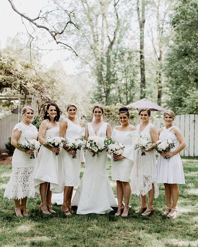 Saturday's are for weddings! While the WINK team travels all over the triangle working on 4 beautiful brides and their squads, here is a little snack for your eyes. Sarah and her bridal party were so laid back and wonderful to work with, plus they had some pretty bomb vendors making her wedding day as gorgeous as she was. Her wedding is featured on SB&G right now because...let's face it, it was flawless. Click for vendors! Photo: @brettandjessicaphoto | Planning + Design: @kasteventsandco | Bride HMU + Bridal Party Makeup: WINK Kristi | Bridal Party Hair: WINK Erik . . . . #beautifulinsideandout #raleighmakeupartist #bridalstyle #bridesmaids #squad #squadgoals #raleighweddings #hmua #mua #makeupartist #weddingmua #raleighmua #raleighstylist #weddingstylist #updo