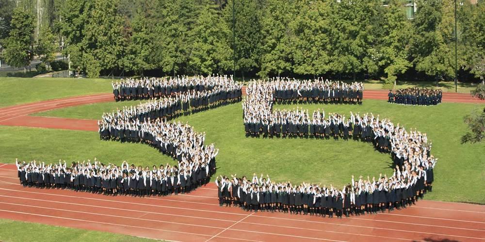 Fotografía conmemorativa de los 35 años de nuestro colegio.