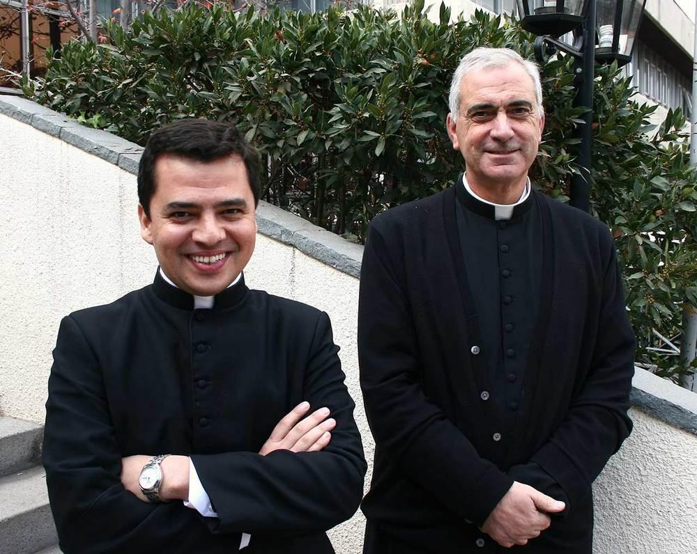 sacerdotes-colegio-huelen