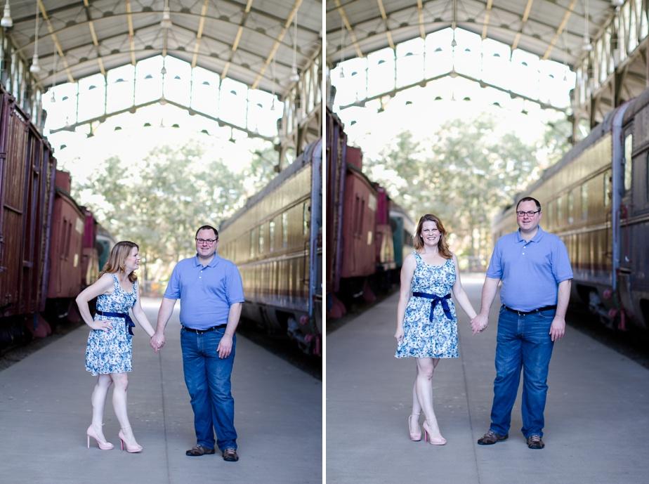 Travel-town-Engagement-Photos-Photographer_0015