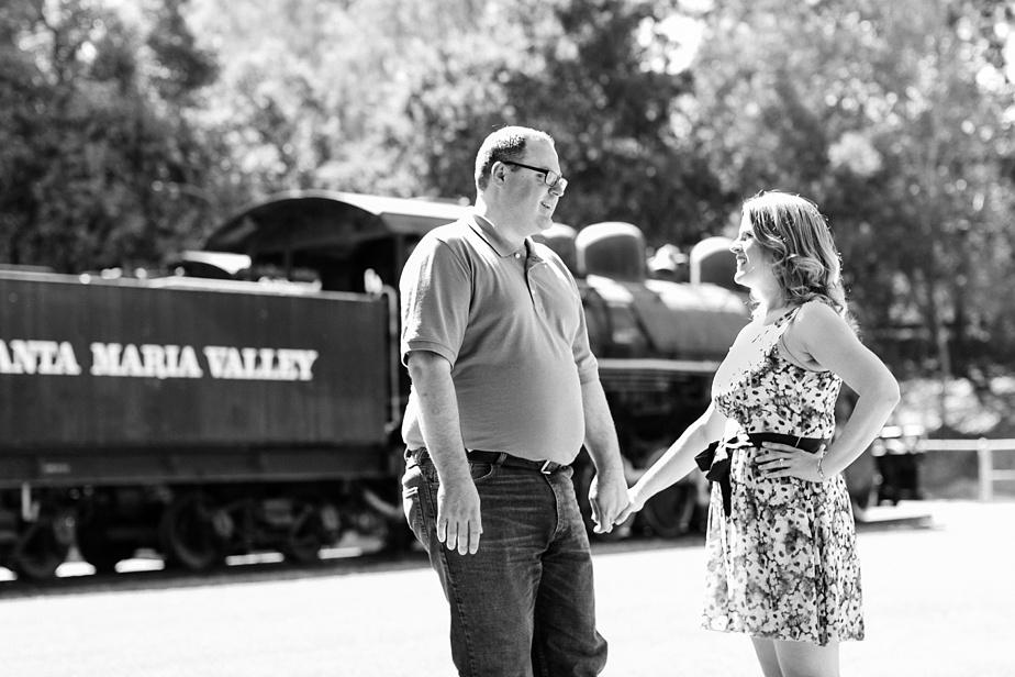 Travel-town-Engagement-Photos-Photographer_0024