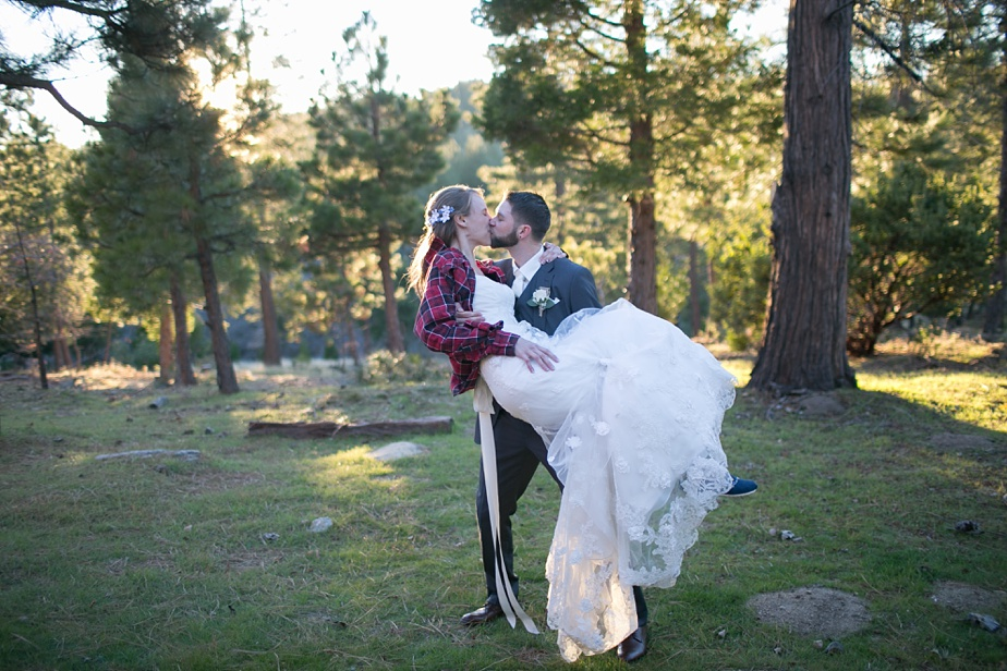 Thousand-pines-camp-winter-wedding_0110