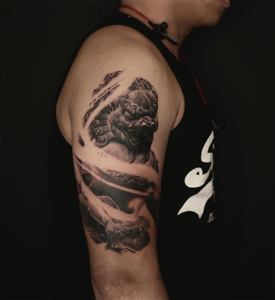 2016-fridays-tattoo-hong-kong-jamie-chinese-lion.jpg