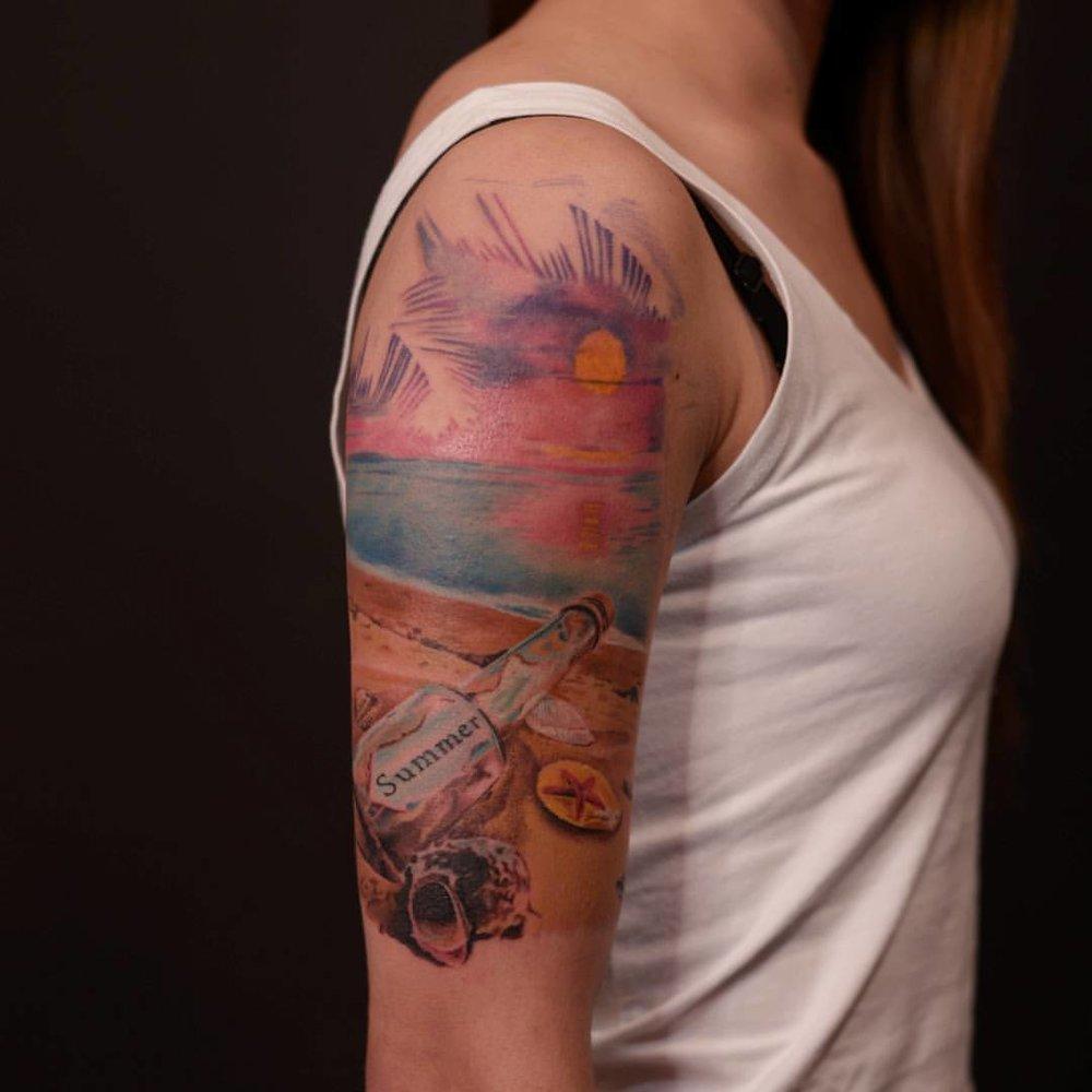 2016-fridays-tattoo-hong-kong-jamie-abstract-graphic-sunset.jpg