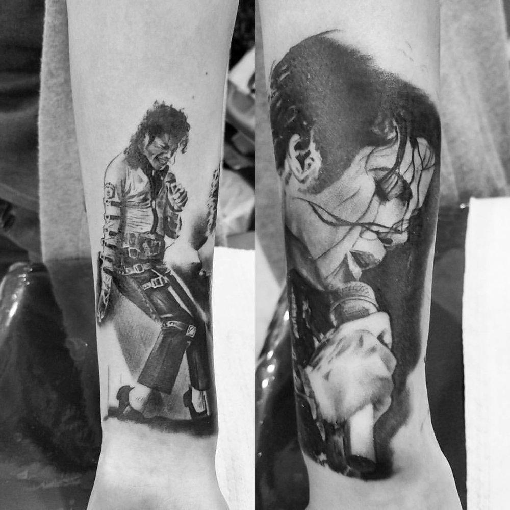 2016-fridays-tattoo-hong-kong-jamie-realistic-graphic-mix-portrait-michael-jackson-sleeve-1.jpg
