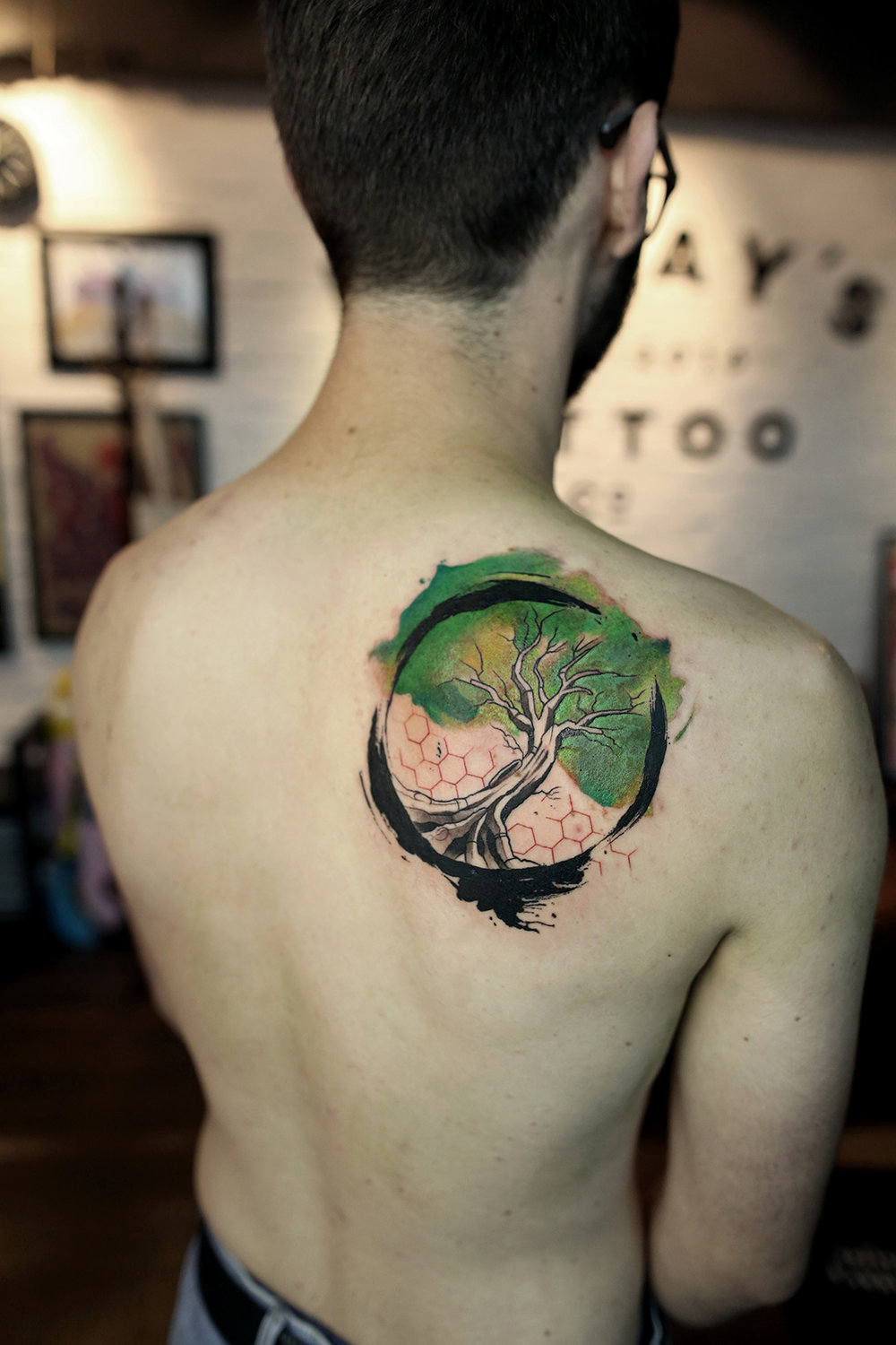 2016-fridays-tattoo-hong-kong-felix-brush-brush-watercolor-tree-of-life.jpg