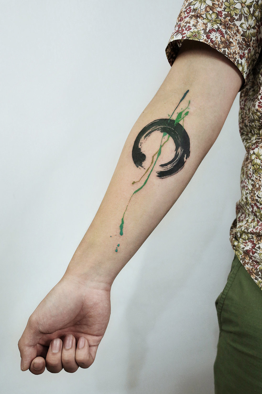 2016-fridays-tattoo-hong-kong-felix-brush-brush-abstract-enso.jpg