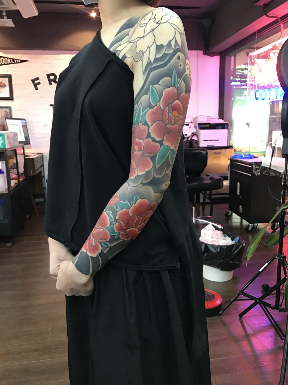 2018-fridays-tattoo-hong-kong-jenna-japanese-sleeve.JPG