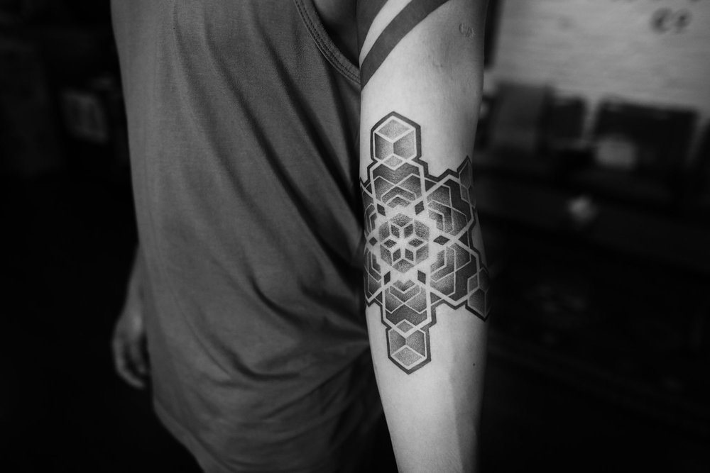 2018-fridays-tattoo-hong-kong-felix-geometry-sleeve-1.jpg