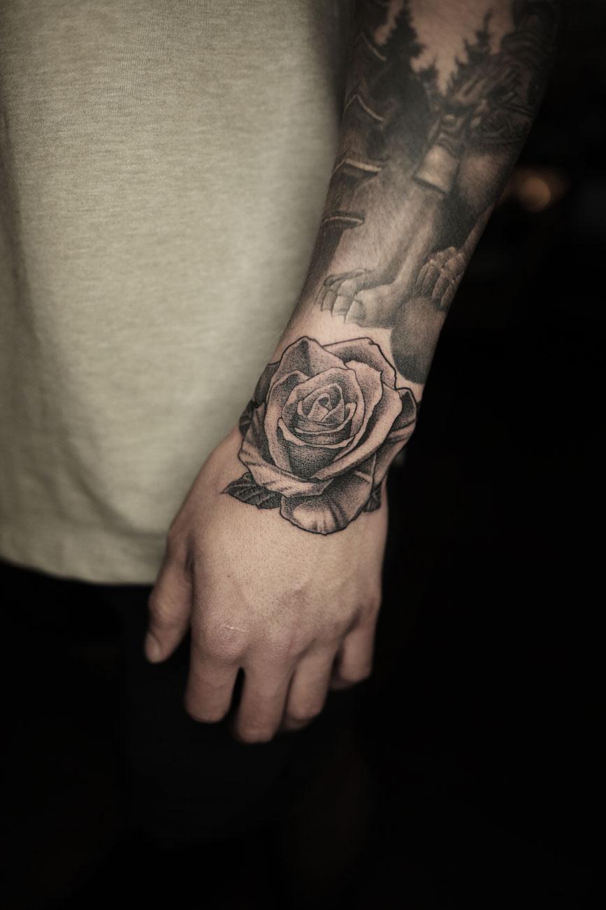 2018-fridays-tattoo-hong-kong-felix-rose-illustration.jpg