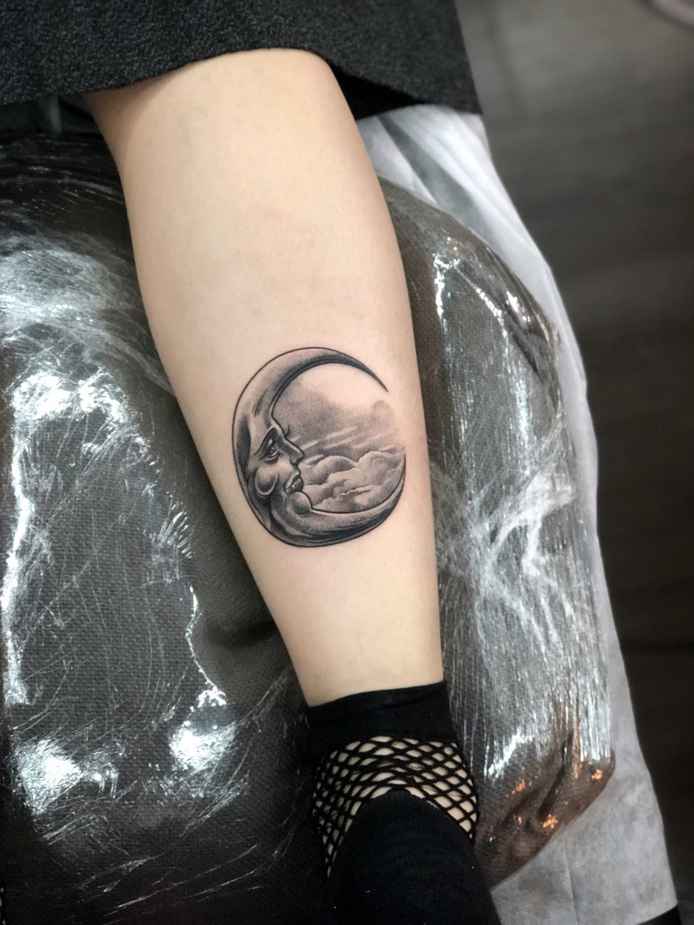 2018-fridays-tattoo-hong-kong-felix-moon-illustration.jpg