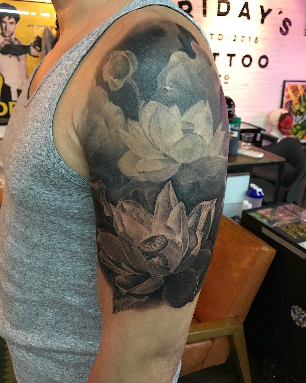 2018-fridays-tattoo-hong-kong-jamie-graphic-realistic-lotus-3.jpg