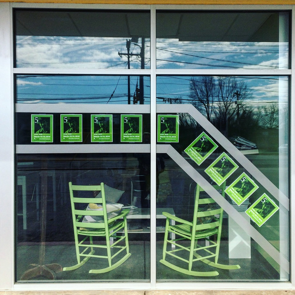 Storefront-RockingChairs.jpg