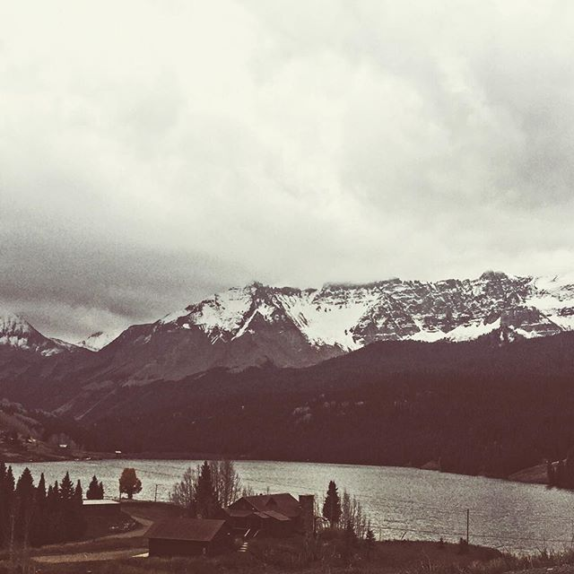 Wish this was our new house... #mountain lake #fall #rockymountains