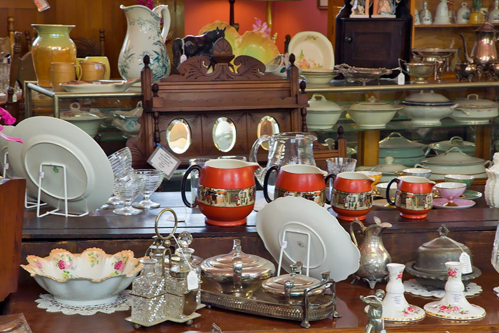 2008-Leven-Antiques-(Antiques-&-Collectables),-Ulverstone,-R.jpg