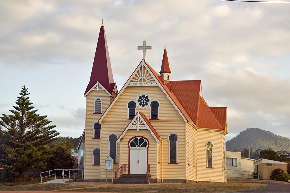 2008-Penguin-Church,-Penguin,-Rick-Eaves-&-CCA-(peng308crs_0.jpg