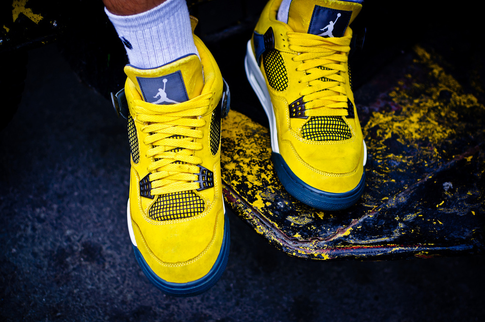 air jordan lightning sneakers