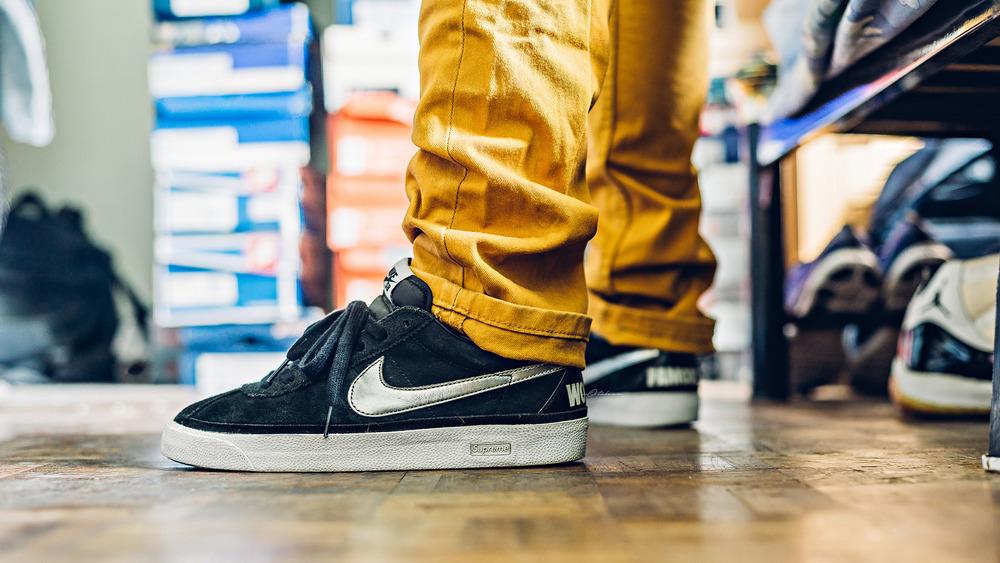 nike sb supreme bruin sneakers