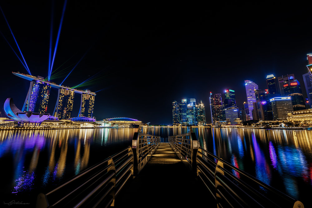 marina-bay-sands-singapore-lights-show-01.jpg