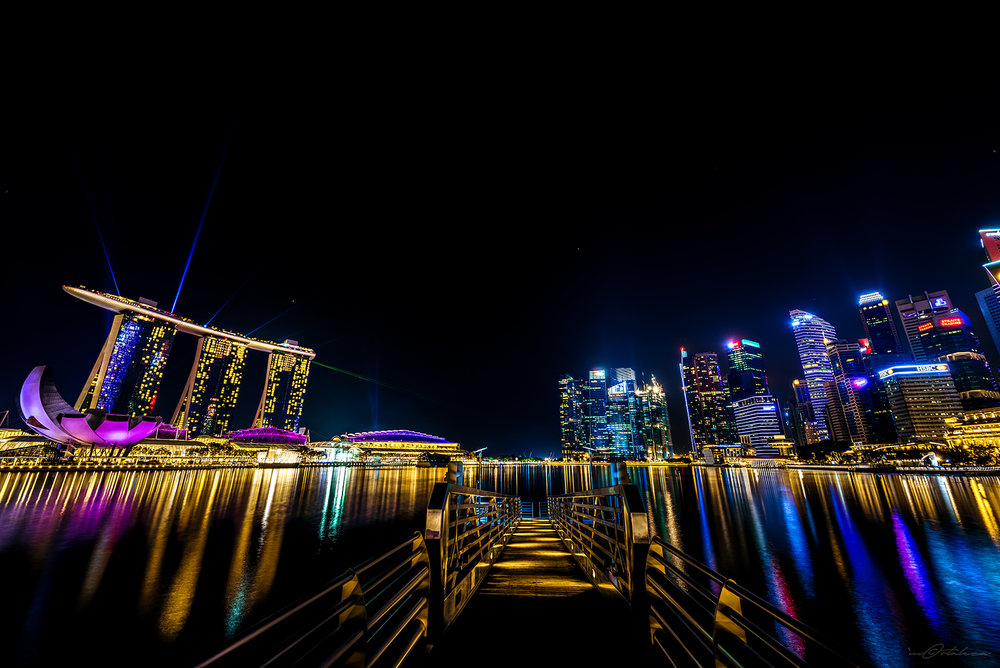 marina-bay-sands-singapore-lights-show-03.jpg