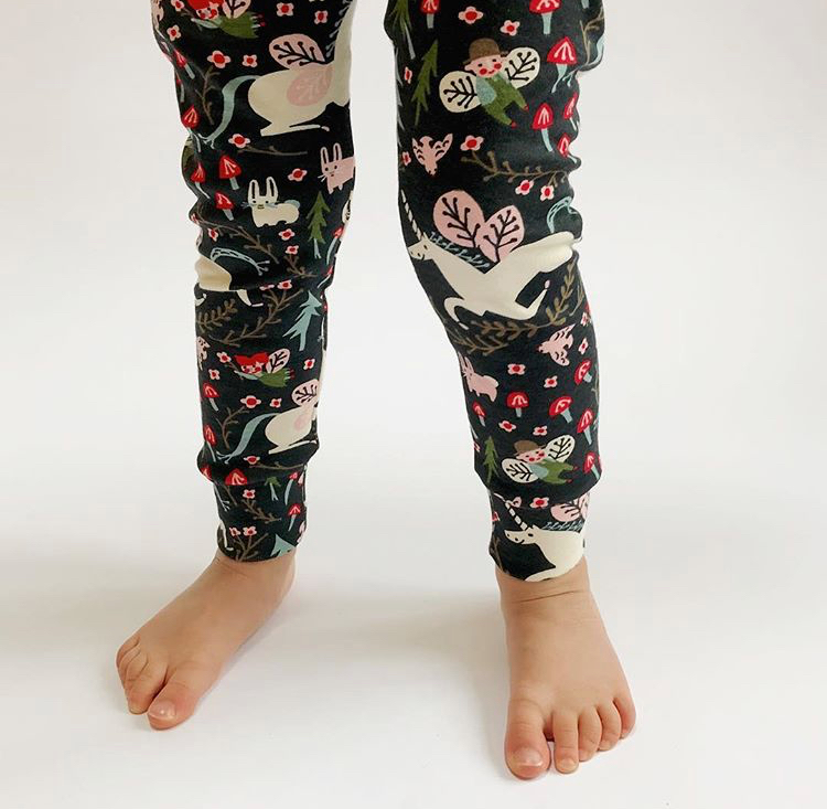 Eddie and Bee Cotton Organic Leggings in Enchanted Unicorns