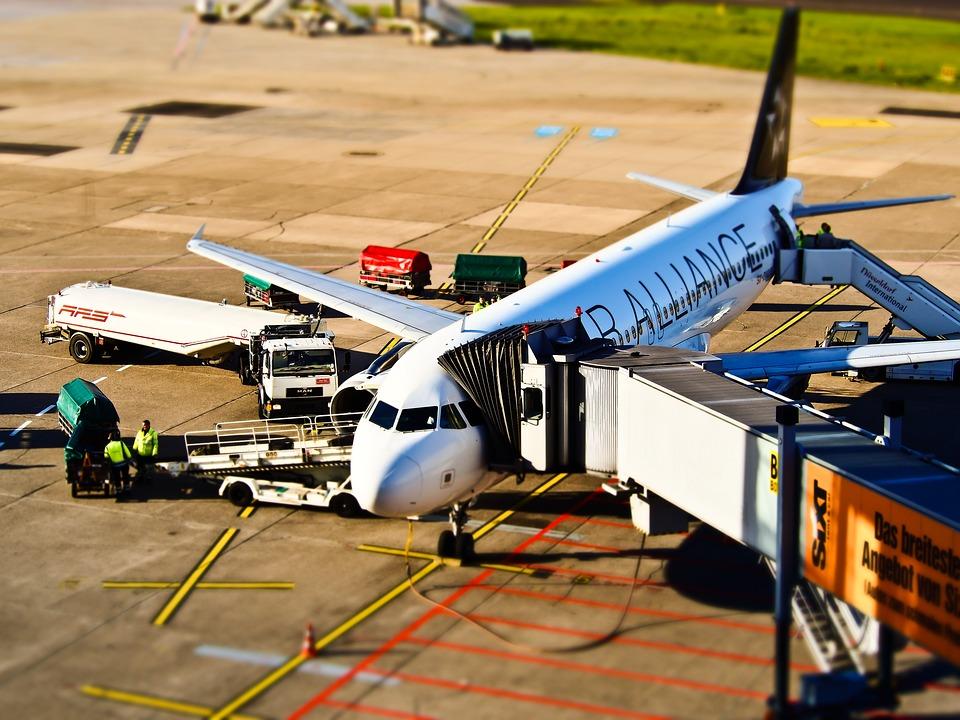 airport-1105980_960_720.jpg