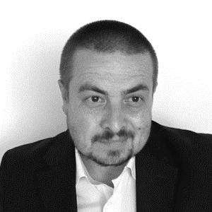 Raul Cobarzan   Director Romania