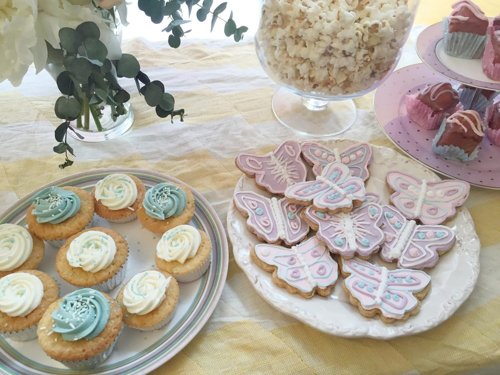 Fairy cake table butterfly biscuits.JPG