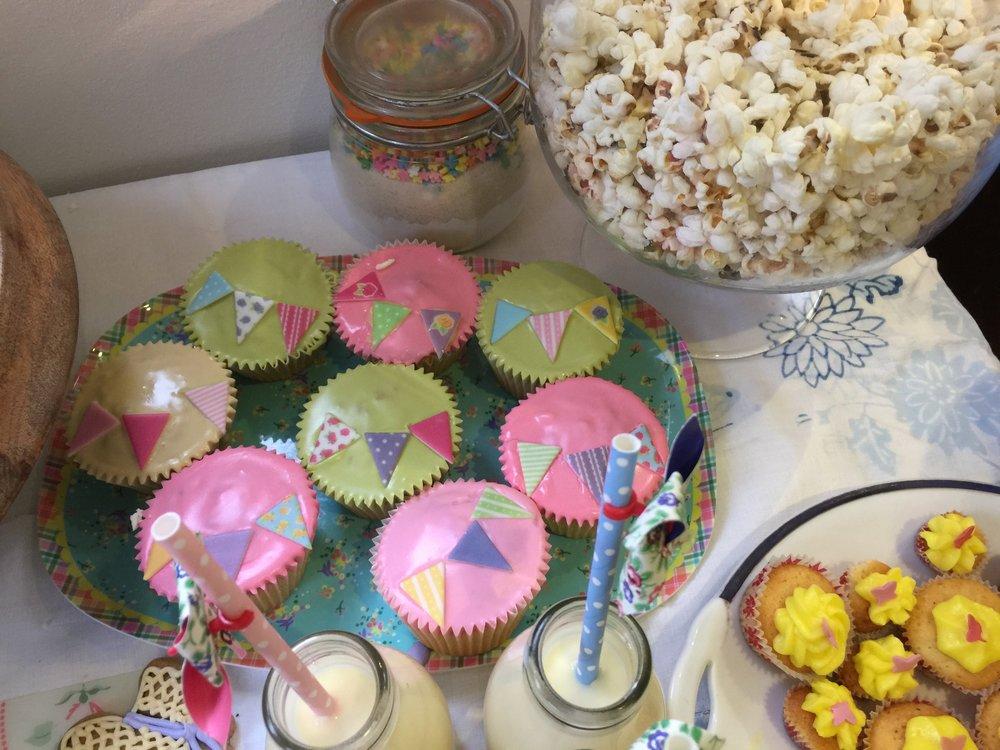 Bunting cupcakes Jess.jpg