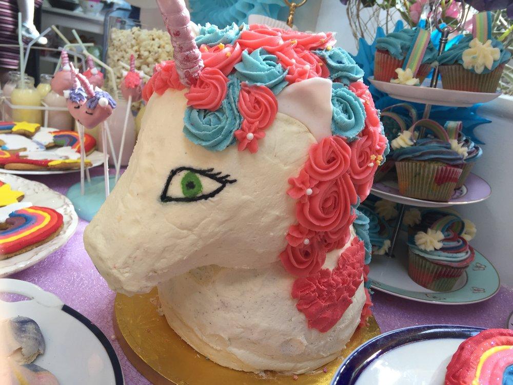 Unicorn cake 2.jpg