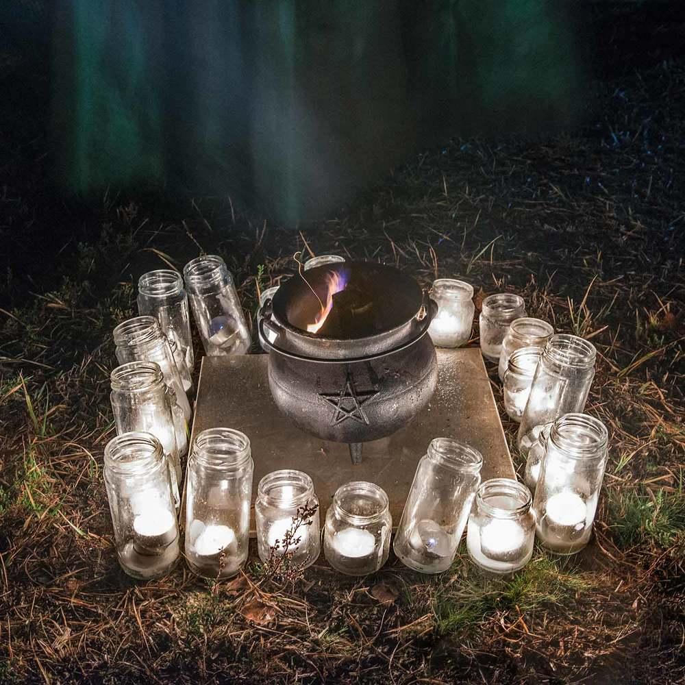 Full-Moon-Cauldron-Fire-2web.jpg