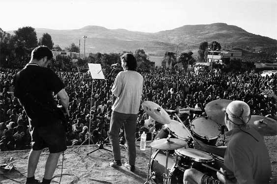 Met The Ex in Gönder, Ethiopië, 2002. Foto Stijn Bennink