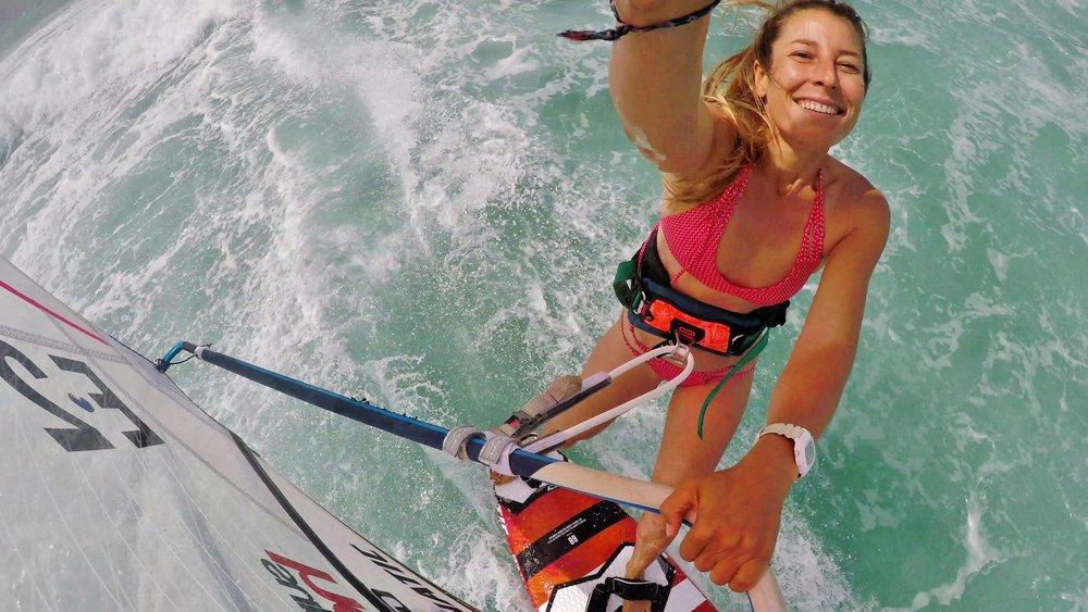 Maria ANdrés windsurfing