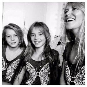 Raquel Meroño con sus hijas, Actriz y empresaria