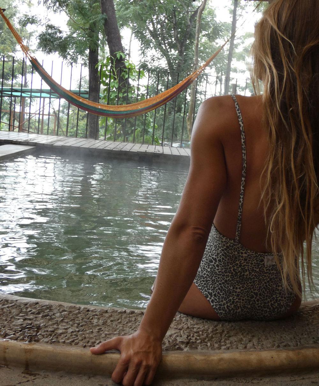 Bodysuits - Si tus necesidades de ropa deportiva ética giran principalmente en torno al yoga, este body debe estar justo en tu camino.