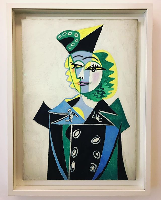 Portrait of Nusch Élaurd by Picasso. I wasn't familiar with this painting but I was really drawn to her face and eyes, plus the colour combinations struck me as so contemporary. Nusch was a performer, model & surrealist artist, must find out more! . . . #art #colour #painting #picassso #muse #woman #artist