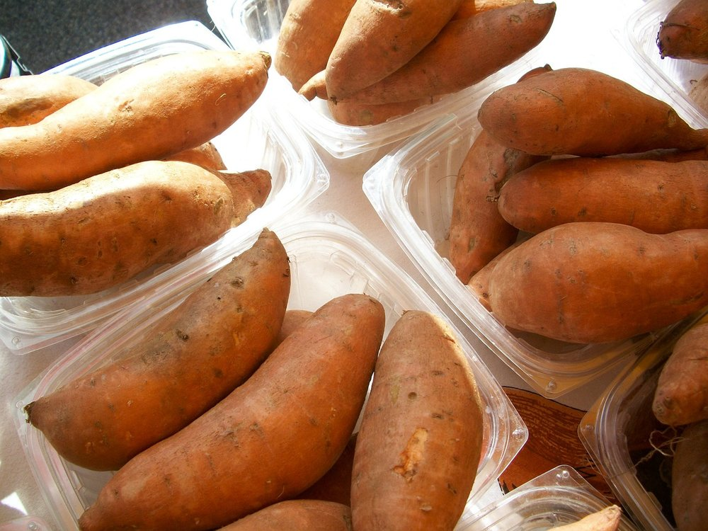 sweet-potatoes-996_1280.jpg