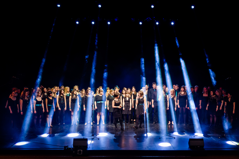 Starling Arts choir members unite onstage PHOTO © RICHARD DAVENPORT